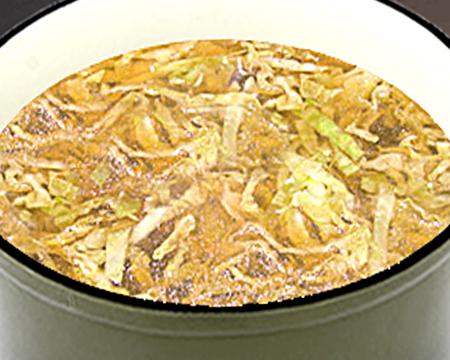 Поставить вариться картофель и капусту