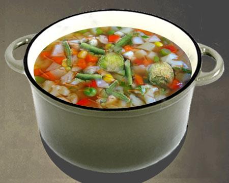овощной суп в кастрюле