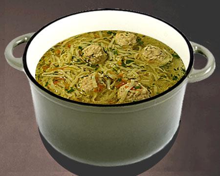 суп-лапша с фрикадельками в кастрюле
